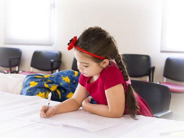 P-5-måder-som-forældre-kan-tilskynde-børn-til-at-blive-bedre-i-skolen