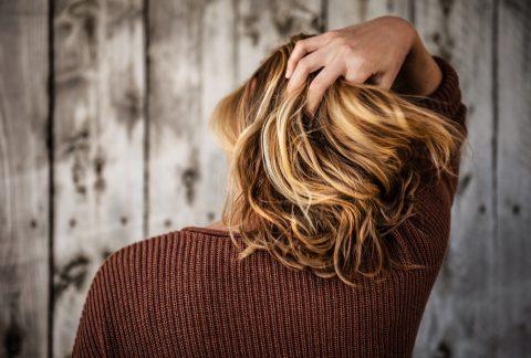 tim mossholder SxPISzSxJrQ unsplash 480x324 - Style dit hår med en lækker voks