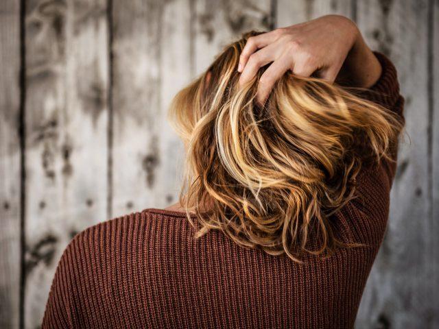 tim mossholder SxPISzSxJrQ unsplash 640x480 - Style dit hår med en lækker voks