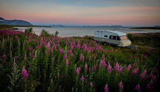 vidar nordli mathisen BqNRovgWwDg unsplash 330x190 - Hold ferie med familien i en Fendt campingvogn