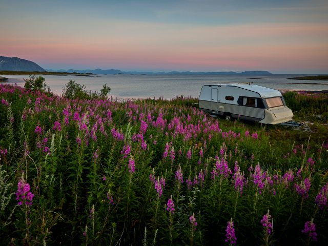 vidar nordli mathisen BqNRovgWwDg unsplash 640x480 - Hold ferie med familien i en Fendt campingvogn